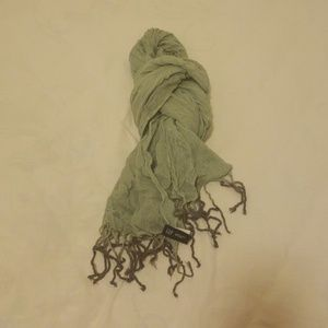 Gap mint green scarf with ombre grey fringe